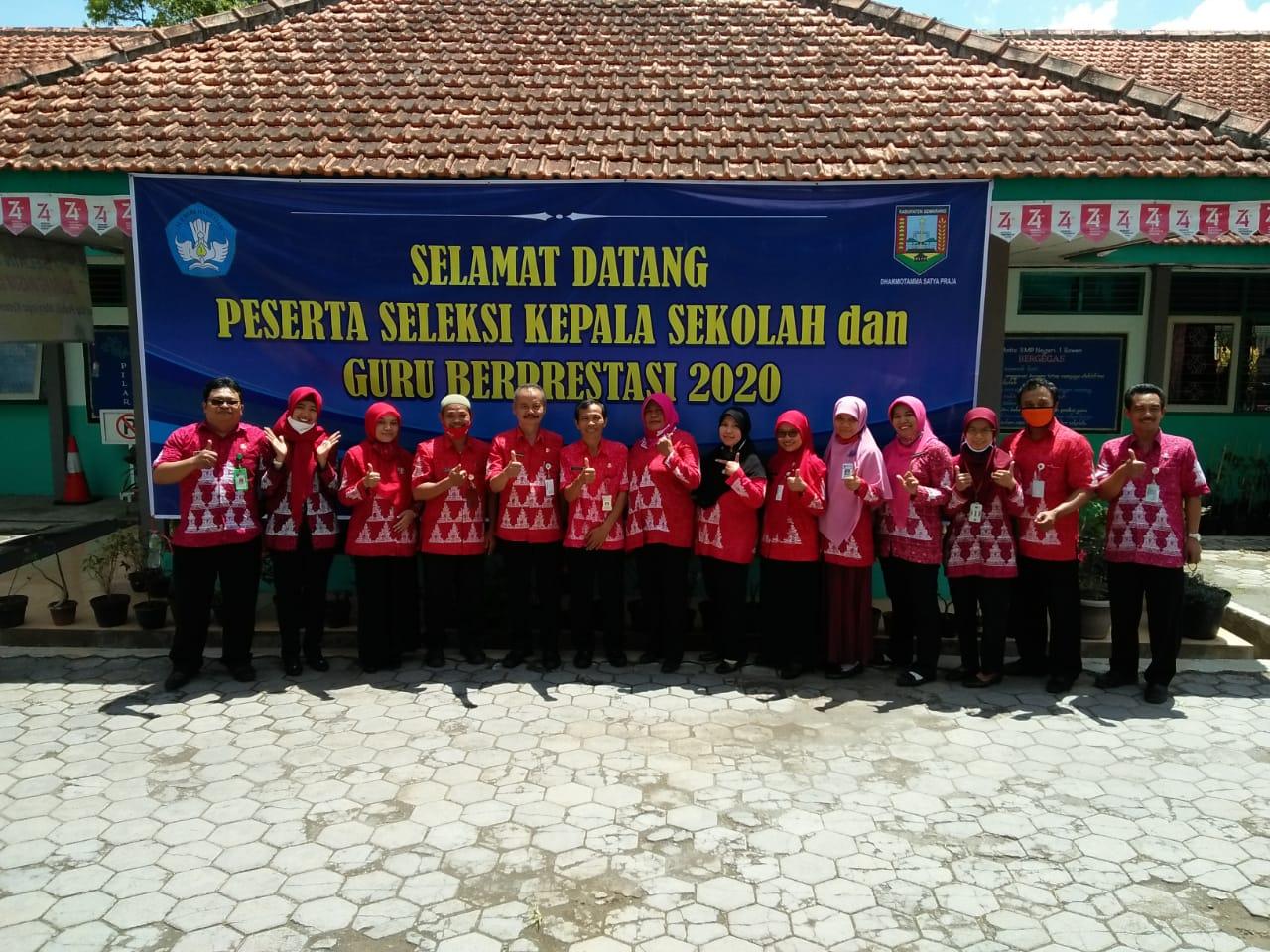 Seleksi  Kepala Sekolah  SMP  dan  Guru  SMP  Berprestasi Tahun  2020
